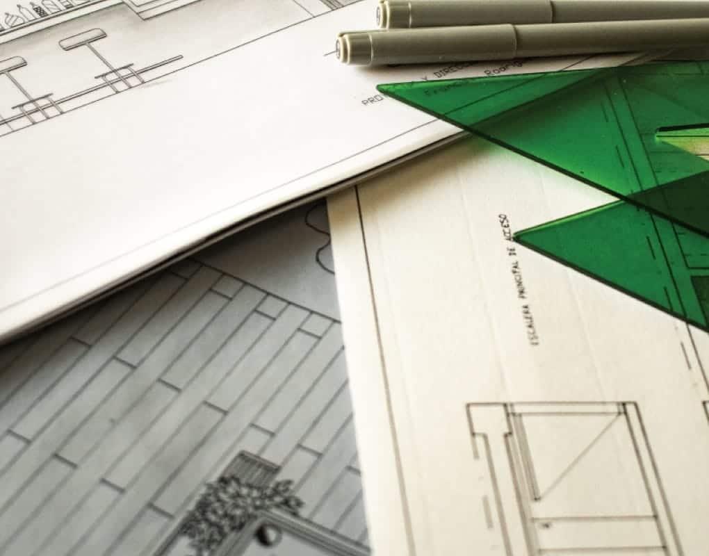 Teile eines Plans, Lineale und Stifte